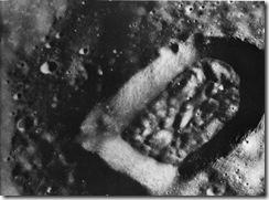 人工造成的坑,非隕石撞擊而成1